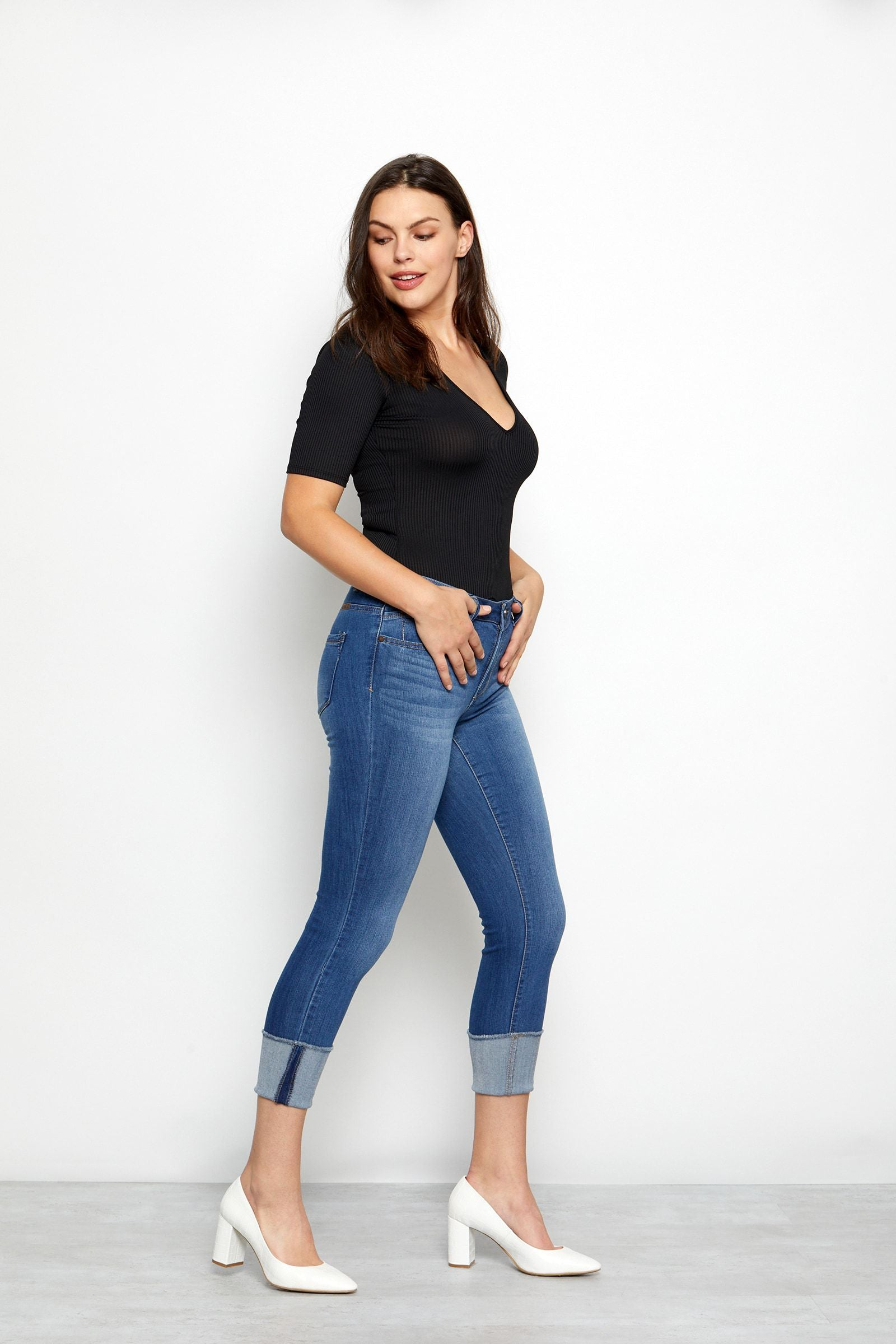 Curvy Vintage Denim Roll Cuff Jeans In Ziggy