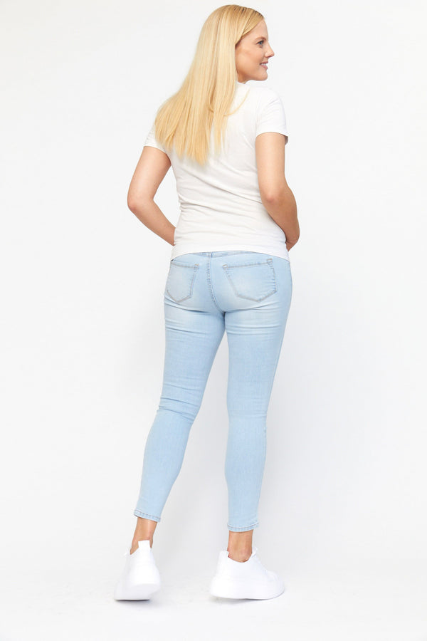 "Maternity RE:DENIM 28"" Ankle skinny with Bellyband in Sammy"