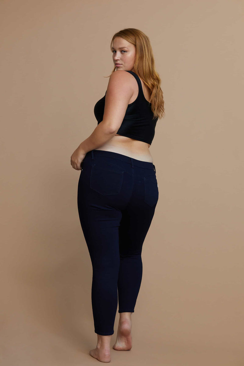 "Curvy Contouring Shapewear 28"" ankle skinny Mid Rise in Rinse"