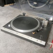 used Hitachi HT-660 turntable