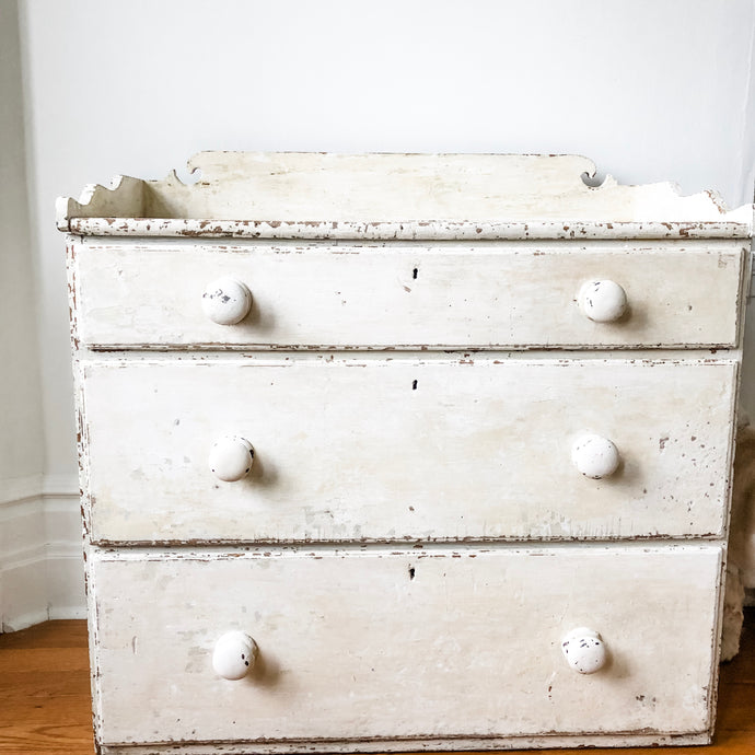 Commode 3 tiroirs antique blanche