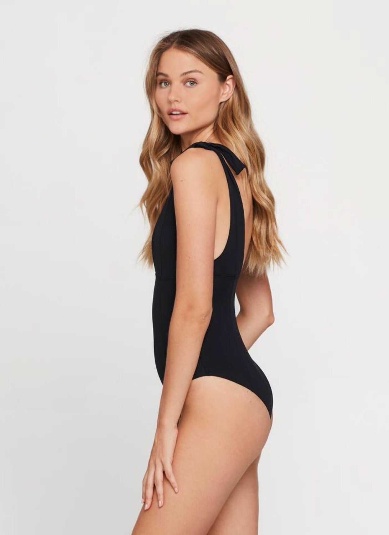 Isabelle one piece- black