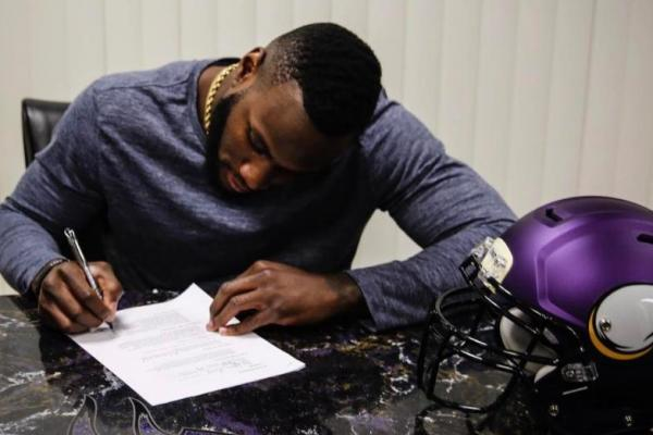 Vikings Sign Running Back Latavius Murray | Latavius Murray