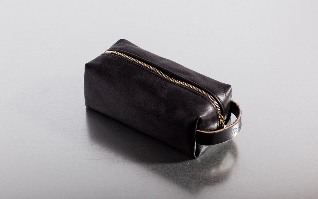 Joshu + Vela Leather Dopp Kit