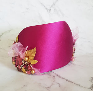 Holly Curvette Headpiece