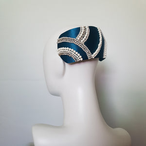 Elizabeth Curvette Headpiece