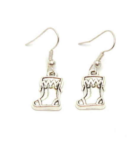 Christmas : Antique Silver Santa' Socks Dangle Fish Hook Dangle Earrings For Women / AZAEXA023-ASL