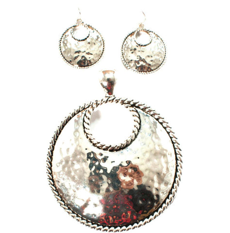 Arras Creations Fashion Hammered & Shiny Metal Pendant Earring Set For Women / AZFJFP004-SIL