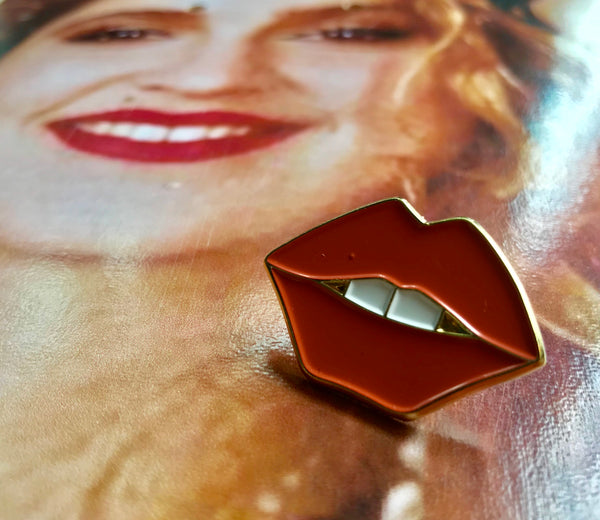 Toothy Lips Pin