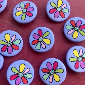 Daisy Button Pin