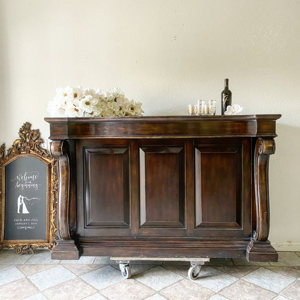 Traditional Style Bar