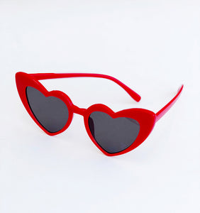 HEARTBREAKER oversized heartshaped cateye sunglasses (red)