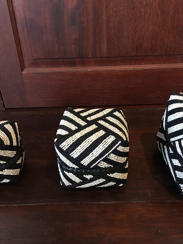 BEADED BOXES MEDIUM BLACK & WHITE STRIPES