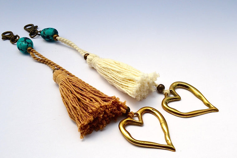 FAUX TUQUOISE STONE HEART DOUBLE STRING TASSEL KEYCHAIN