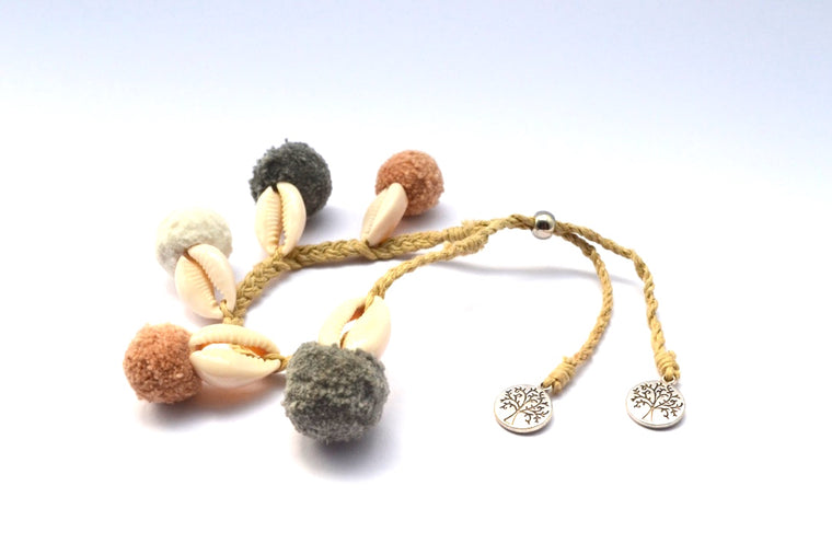 BRACELET ADJUSTABLE STRING SHELLS & MULTICOLOR PUFF