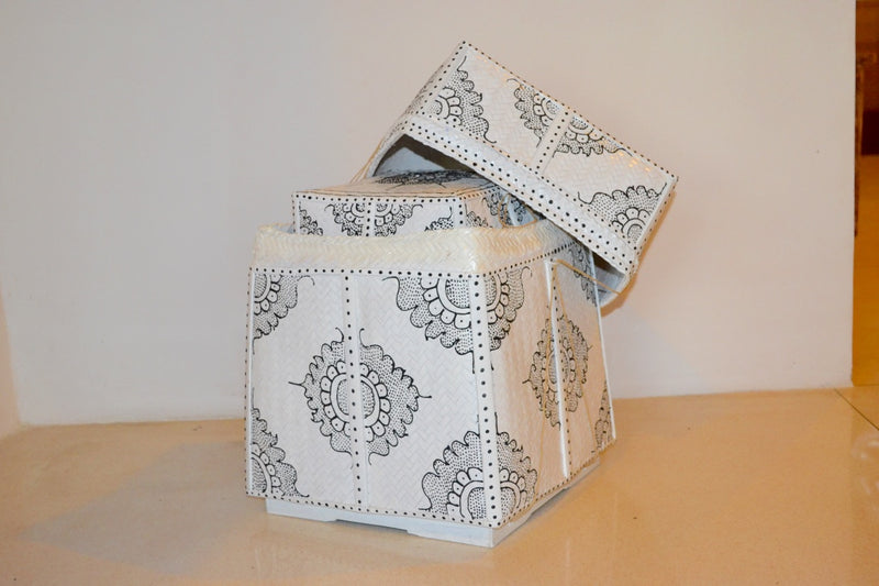 TALL BASKET PAINTING LARGE MEDIUM SMALL WHITE BASKET BLACK PAINTED W STRING
