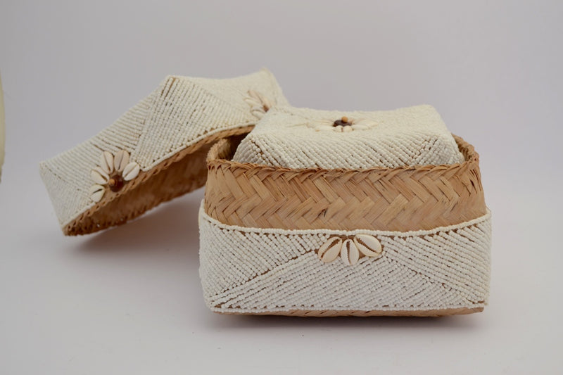 BEADED BOX LARGE MEDIUM & SMALL WHITE & SHELLS 20