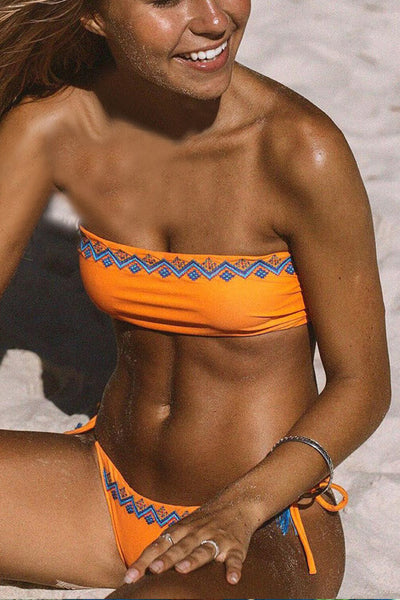 Solid Color Bandeau Tie Side Bikini Swimsuit