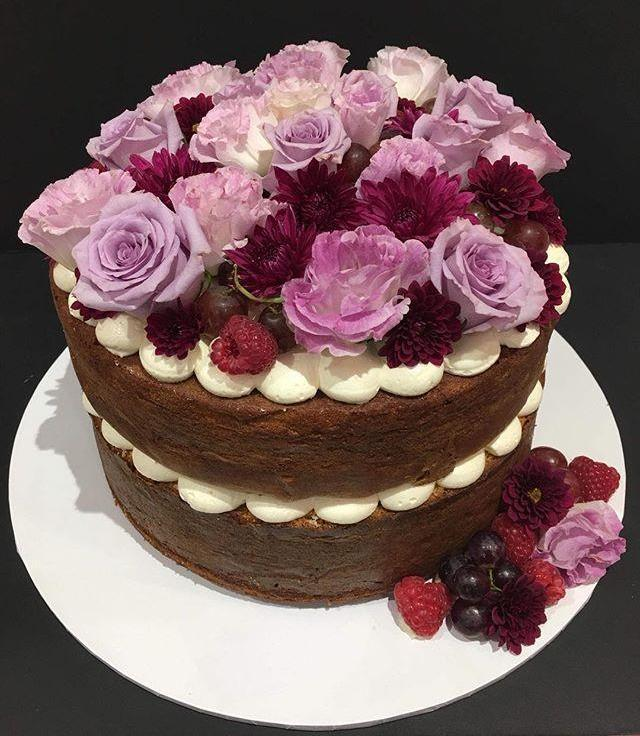 Berries And Blooms Naked Speciality Cake - Specialitycakes