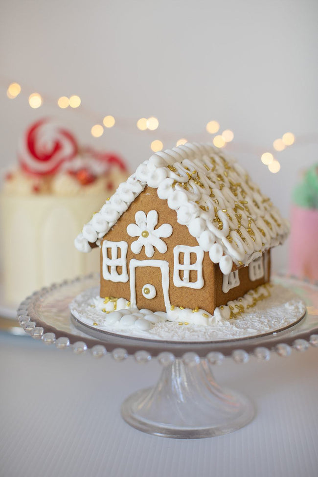 Cake Creations by Kate™ Biscuits Gingerbread House