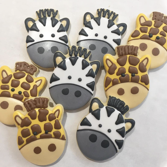 Cake Creations by Kate™ Biscuits Giraffe & Zebra Vanilla Biscuit