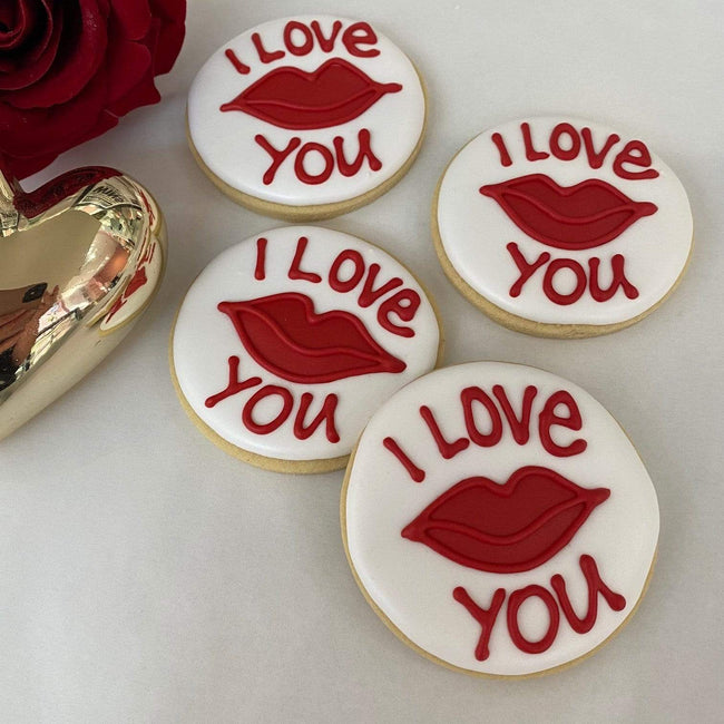 Cake Creations by Kate™ Biscuits 'I Love You' and Red Lips Round Vanilla Biscuit valentine gift