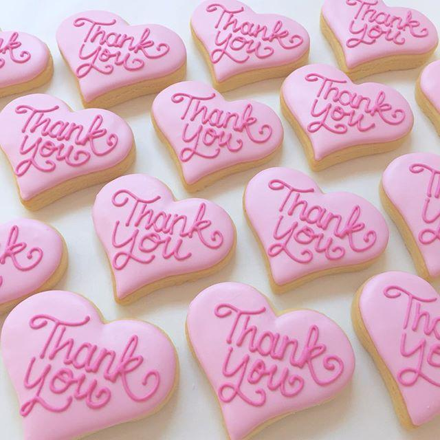 Cake Creations by Kate™ Biscuits Thank You Heart Vanilla Biscuit