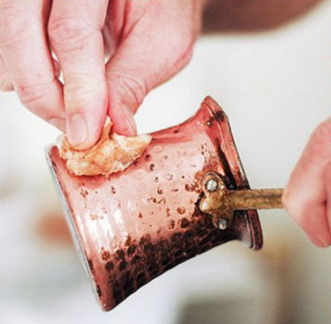 Cleaning Copper with ketchup
