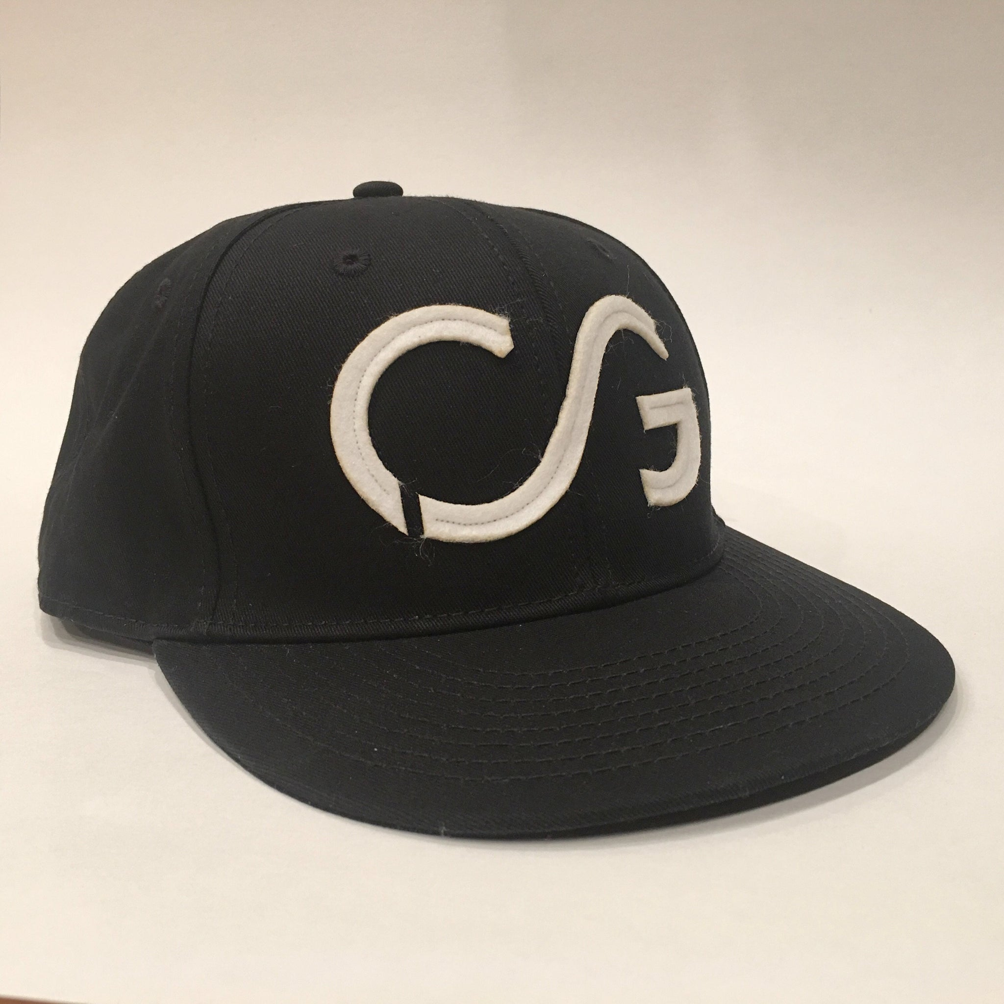 Black flatbrim with white felt CG