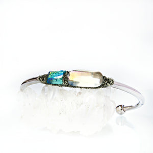 Raw crystal bracelets from Lea Spirit