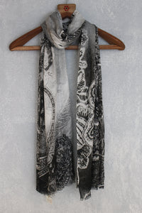 Abstract - Motif B&W-Scarves-Kairos Trinkets
