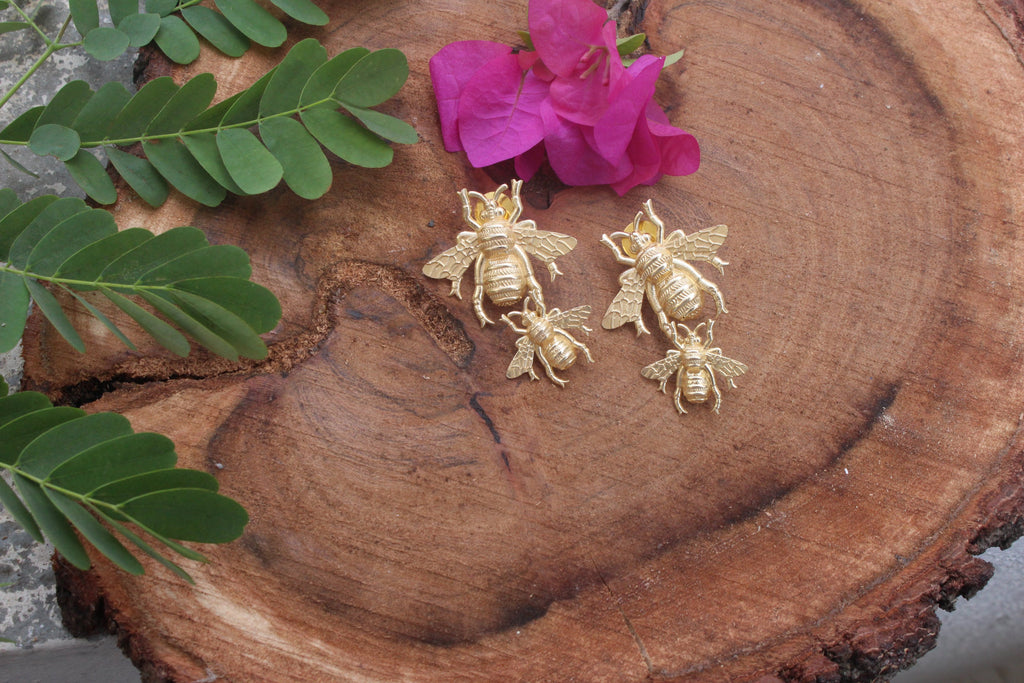 Double Bee Stud-Jewels-Kairos Trinkets