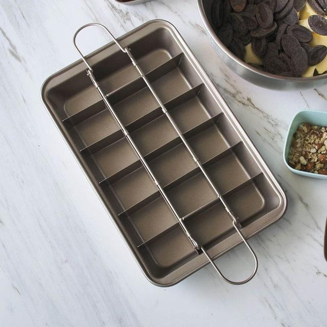Brownie Baking Pan With Dividers