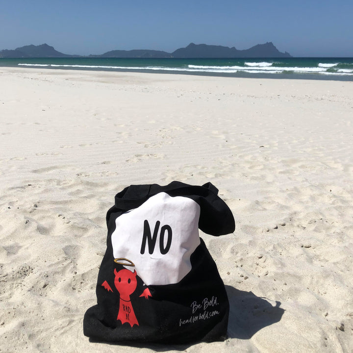 #Bagsy Location: Sun, sea, surf NZ | The Bold Yes / No re-usable tote bag | gym bag | beach bag | shopping bag | Free with every Hoodie | #sayitinbold @BoldorNaked shop online www.boldornaked.com