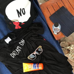 #Bagsy Location: Dubai ready for the sun | The Bold Yes / No re-usable tote bag | gym bag | beach bag | shopping bag | Free with every Hoodie | #sayitinbold @BoldorNaked shop online www.boldornaked.com