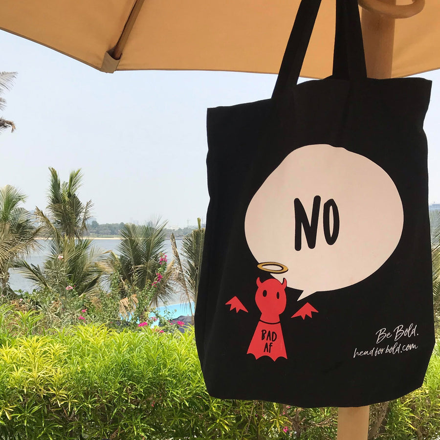 #Bagsy Location: Dubai | The Bold Yes / No re-usable tote bag | gym bag | beach bag | shopping bag | Free with every Hoodie | #sayitinbold  @BoldorNaked  shop online www.boldornaked.com