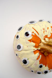 googly eyed pumpkins: pumpkin decorating tips