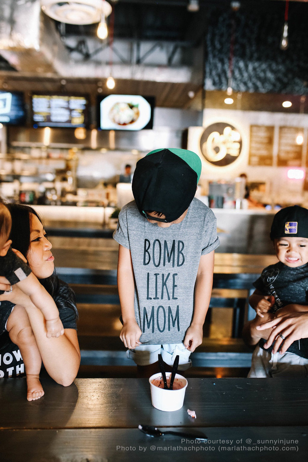 b0mb like mom GRAY kids tee: regular letters