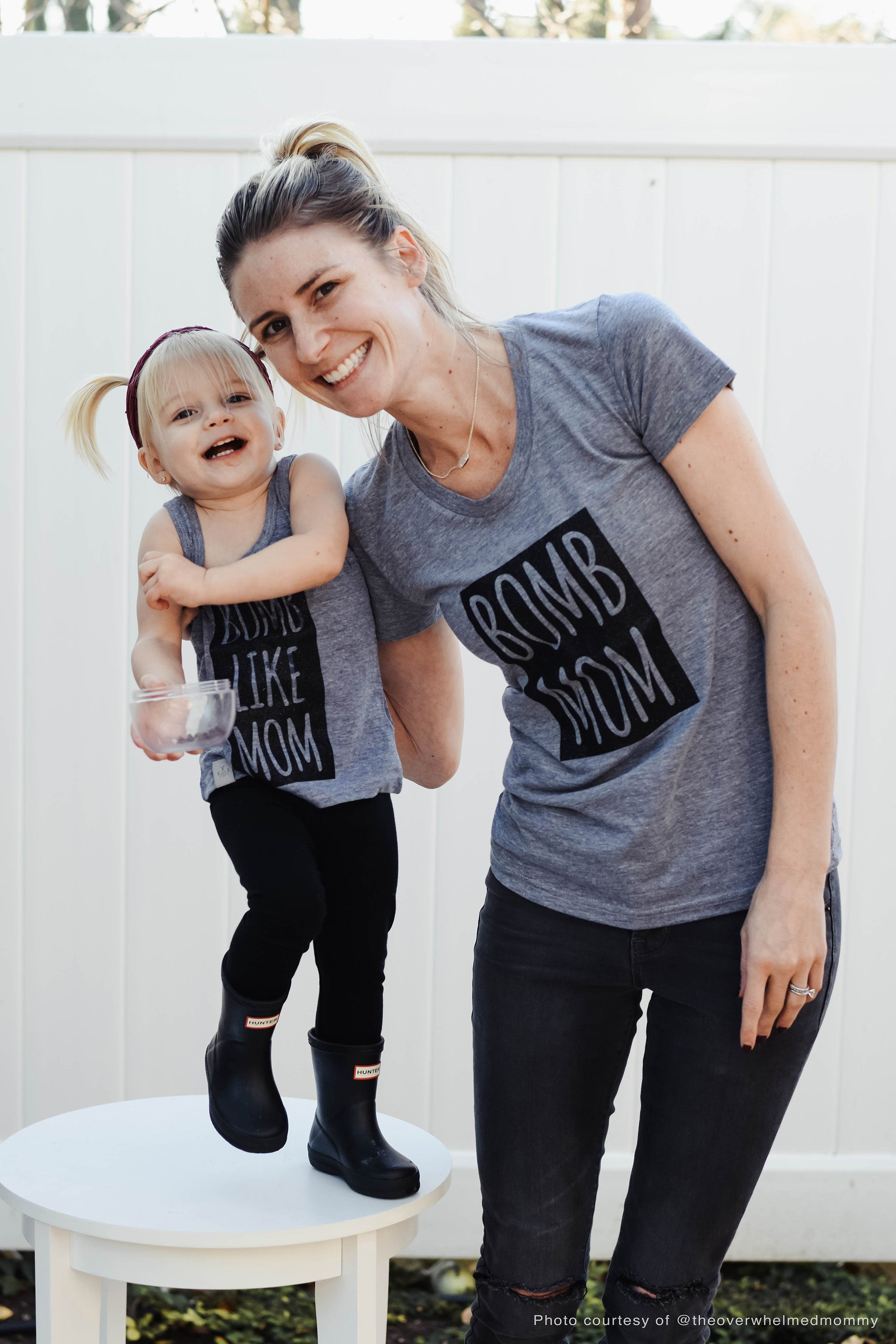 b0mb mom tee - block letters