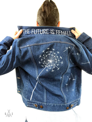 women's handpainted vintage Wrangler (M?) denim jacket: dandelion seeds