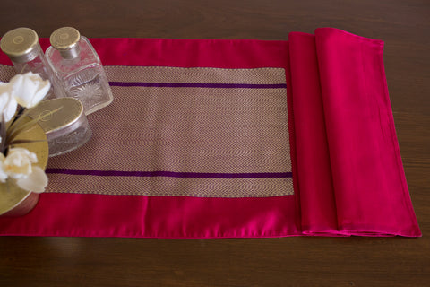 Maheshwari Chevron Runner (Fuchsia/Purple) | Two-Toned Weave