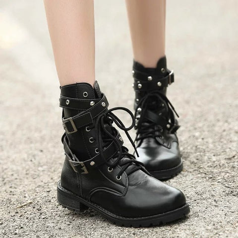 Coturno Ankle boot   Hollywood