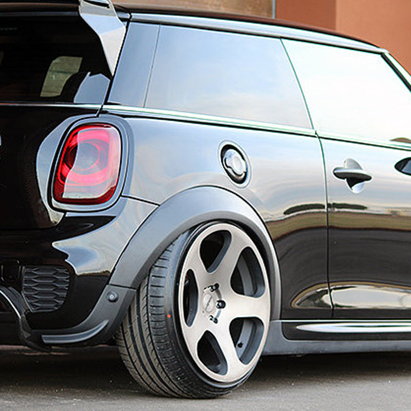 Wide wheel arch kit for Mini F56 in Carbon Fiber