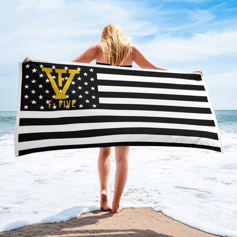 Black and White F-FIVE American Flag Towel