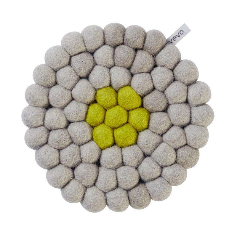 Aveva design trivet round wool lime