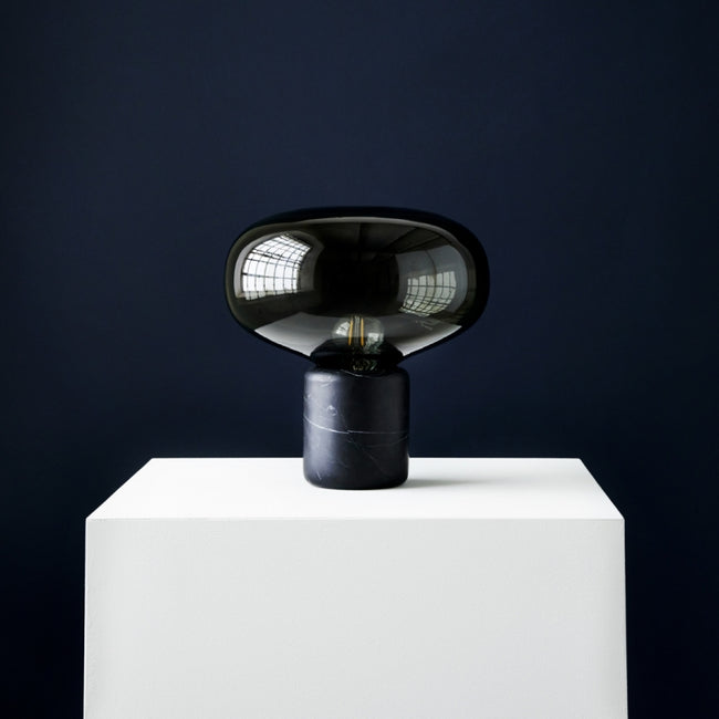 Karl-Johan lampe de table marbre noir