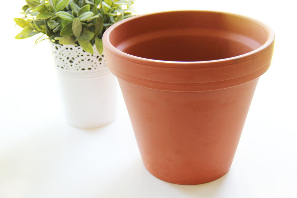 DIY Painted ceramic pot gift