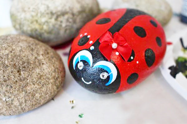 painting rocks with acrylic paint