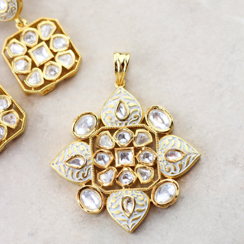 Statement Kundan White Pendant Set