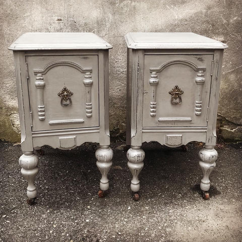 Victorian end table in Autentico Venice by Eastcote Lane